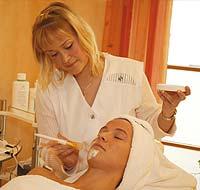 Ob Massage, Heilbad oder Gesichts-Heilmaske, buchen Sie Wellness-Leistungen im Hotel Amselgrundschlößchen